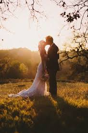 professional wedding photography reasons why you should hire a professional wedding photographer