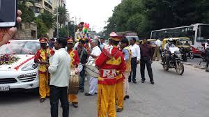 traffic wedding band my indian wedding day 3 getting in coach