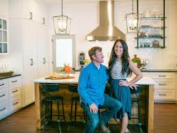 Fixer Upper Facebook You Don U0027t Have To Live In Waco To Buy A House From Chip And Joanna