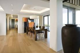 faux plafond cuisine design plafonds faux plafond blanc table en bois cuisine vase idee