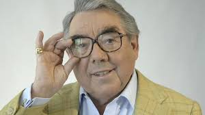 ronnie corbett best known for the two ronnies dies aged 85 bbc