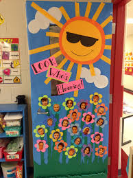 thanksgiving classroom door decorations new classroom door decor for spring stuff pinterest
