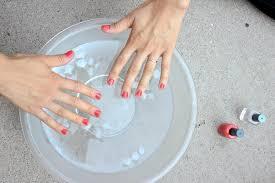 using nail polish remover on acrylic nails yes or no