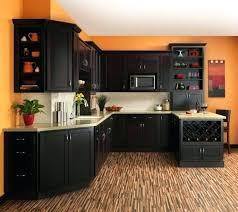 repeindre cuisine en bois peinture cuisine bois couleur peinture cuisine orange meubles