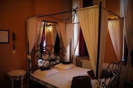 chambre a theme bedrooms suites day evening rooms the pink hotel