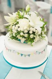 let them eat cake tuck box tuck box 0002 modern wedding cakes