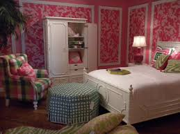 Preppy Bedroom Lilly Pulitzer First Impression Hotty Pink Bedroom Lilly Pulitzer