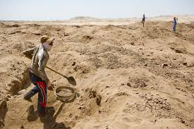 archaeologists warn of pillaged egypt as u s weighs tougher