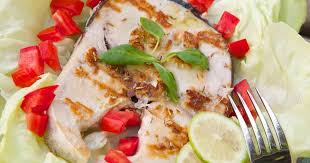 cuisine espadon espadon grillé à la salsa de mangue foodlavie