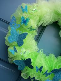 make the best of things spring wreath from a bath scrubbie