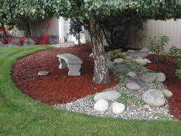 what color mulch looks best with red brick autumn rivers brown
