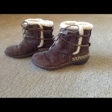 s ankle ugg boots 64 ugg shoes ugg brown suede ankle boots s n 5178 size 9