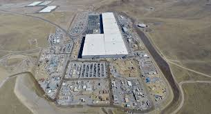 new tesla gigafactory 1 photos show a parking lot in need of expansion