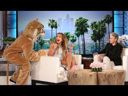 Ellen Bathroom Scares Ellen Scares Jennifer Lopez The Ellen Degeneres Show Tv Shows