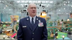 mall of america thanksgiving minnesota hero robert renning surprise proposal at mall of