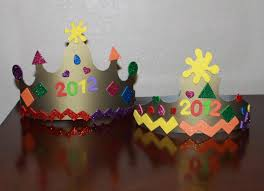 mom to 2 posh lil divas easy new year u0027s noise makers u0026 party crowns