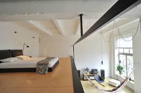 chambre de garde chambre mezzanine petit appartement avec chambre en mezzanine 8 il