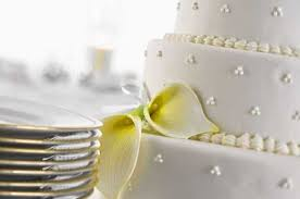 wedding cake average cost by the numbers the knot unravels the average costs of weddings