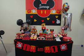 mickey mouse table l mickey mouse cookies cupcakes macarons cakes crissa s cake corner