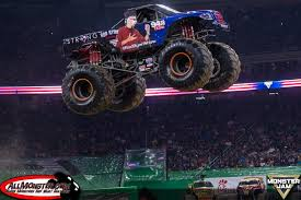 texas monster truck show team scream and the rod ryan show represent texas strong in houston