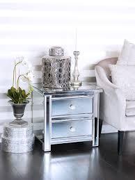 Deko Blau Interieur Idee Wohnung Verspiegeltes Nachtkästchen Mit Zwei Laden Silber Pure Velvet