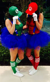 partners halloween costumes diy super mario u0026 luigi halloween couple costume idea 6 diy