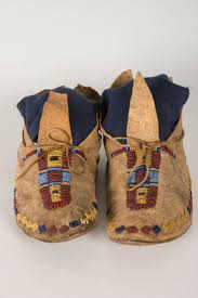 835 best moccasins モカシン images on pinterest beaded moccasins