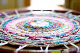 How To Make A Wool Rug With A Hook Woven Finger Knitting Hula Hoop Rug Diy Flax U0026 Twine