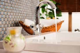 Porcelain Kitchen Sinks by How To Choose The Right Kitchen Sink For Your Lifestyle