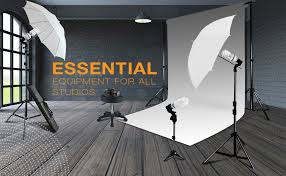 whether starting off in an actual studio or the humble beginnings of a studio garage limostudio s umbrella lighting kit will provide the highest quality