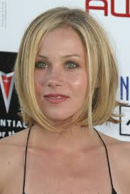 christina applegate hairstyles christina applegate one length bob with the ends styled outward in