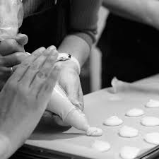 atelier cuisine dijon cours de macaron dijon cours cuisine dijon edfos com
