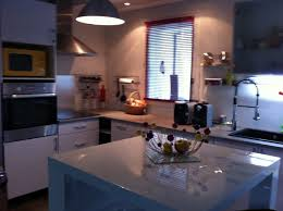 cuisine avec table table haute bar cuisine top superior table de bar cuisine