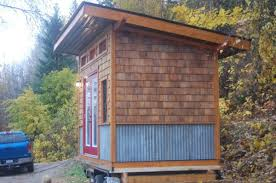 Slanted Roof House Nelson Tiny Houses In Canada
