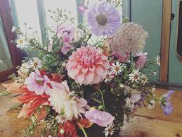 wedding flowers gloucestershire expert with gloucestershire florists saltbox co