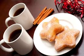 coffee cups cookies baking star cinnamon sticks tableware dessert