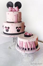 minnie mouse cakes the ultimate list of 1st birthday cake ideas baking smarter