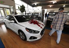 car dealer floor plan financing report shows sharp increase in riskier long term auto loans