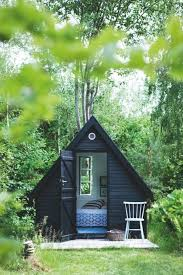 Summer House For Small Garden - best 25 summer sheds ideas on pinterest sheds summer houses