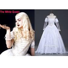 las perlas de la reina blanca anne hathaway en alice in