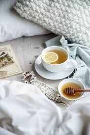Breakfast In Bed Table by Best 10 Coffee In Bed Ideas On Pinterest Snuggle In Bed