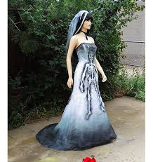 Movie Star Halloween Costumes 35 Ghostly Haunt Couture Images Red Rose