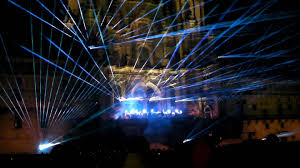 10 ways to organize unforgettable show at your backyard with laser
