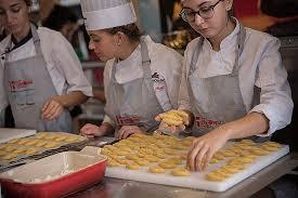 emploi chef de cuisine demande d emploi chef de cuisine unique école h teli re avignon hd