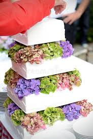 tiered wedding cake with flower royalty free stock photos image