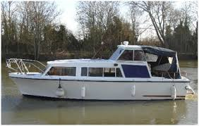 river thames boat brokers owning a boat on the river thames visit thames
