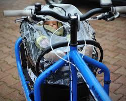 siege avant bebe velo un bébé sur un bullitt cargo bikes