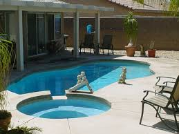 Small Pool Backyard Ideas by Small Garden Pool Design Pool Landscaping Ideas On Budget And