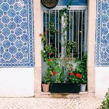 Window Sill Garden Inspiration 6 Show Stopping Balcony Garden Ideas On Craftsy