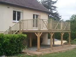 terrasse suspendue en bois terrasse saint lô bois et composite fh construction manche 50